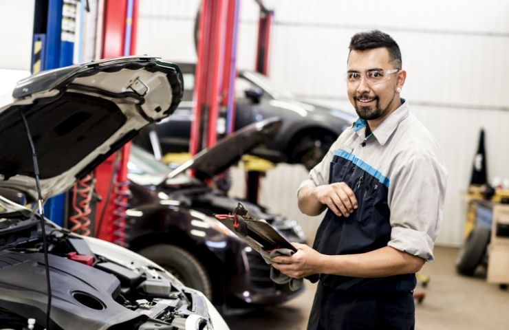 Potential Career Outcomes for Automotive Technicians - UEI College