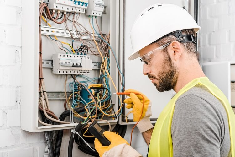 Top 5 Benefits of Being an Electrician UEI College